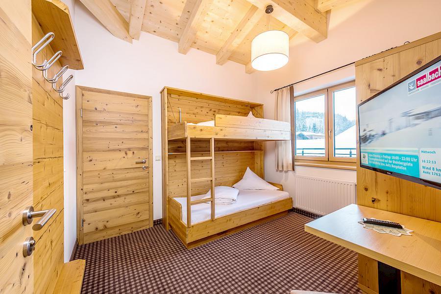 Familienzimmer gro r umig und komfortabel dorfalm leogang for Hotels mit familienzimmer in hamburg